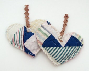 2 Recycled Lavender Sachets - Vintage Quilt Hearts - Hanging Sachets - Rick Rack - shabby - primitive