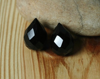 Black onyx faceted teardrop briolette 18x12mm, 2 pcs (item ID BOFT18)