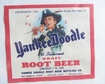 2 vintage 1940s Soda pop labels Yanke Doodle Root Beer  HYS Cream