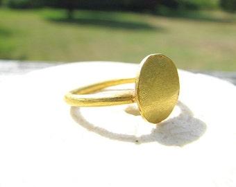 High Karat Gold Ring, Antique or Vintage 22K Gold Signet Style Ring, Rustic yet Elegant, Lovely Organic Texture, 4.30 grams