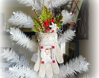 Your choice - one knit glove ornament - BABY - NO 151