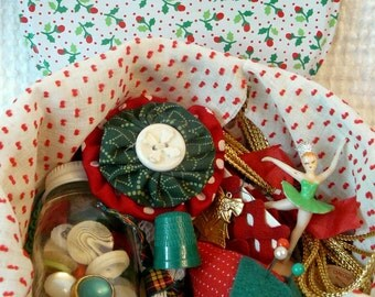 Christmas Tin filled with Vintage Christmas Sewing and Crafting Supplies, Buttons and More - Cute Tin with GREAT Contents