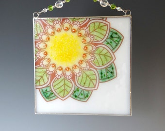 "6 "" Leaf Mandala Fused Glass Suncatcher Panel White Green Flower"