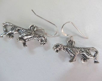 One Pair Hand Crafted Sterling Silver French Style Earrings Pewter Tigers E52