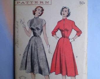 Vintage 50s Button Front Full Skirt Dress Pattern 34
