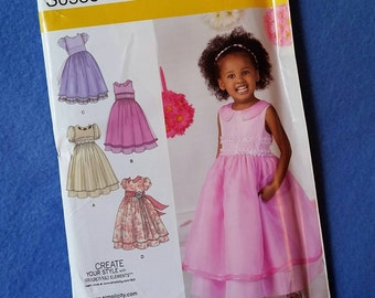 Uncut Simplicity Toddler and Child's Special Occasion Dress S0538 - sizes 1/2 through 3 (size AA)