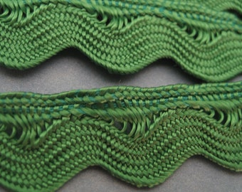 Green Rick Rack Yardage Applique Trim