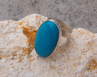 Ring, Vintage Turquoise and Sterling Silver Ring
