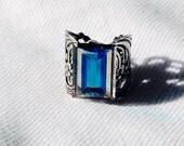 oO CELESTE Os splendid medieval ring