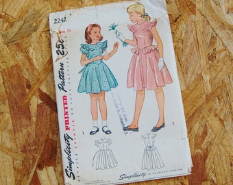 Vintage Simplicity 2242 Dress Full Circle Skirt Peplum and Flutter Sleeves 1950's Size 10