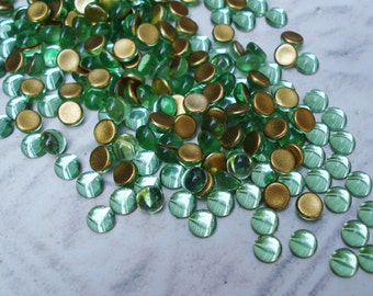 Preciosa 5mm Peridot Green Gold Foiled Flat Back Round Glass Cabs or Stones (24 pieces)