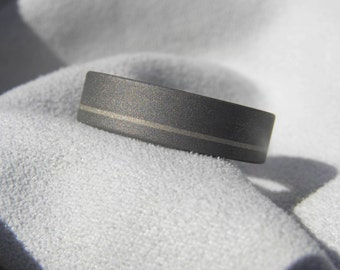 Titanium Ring with Offset Pinstripe White Gold Inlay, Wedding Band, Sandblasted