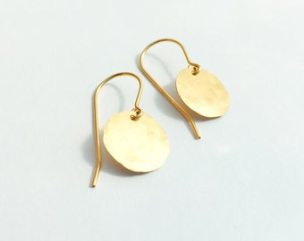 Small Gold Disc Earring/  gold fill, hammered, every day, light weight, simple