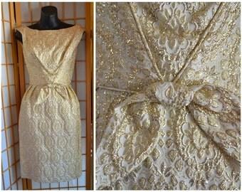 60s gold / cream metallic brocade paisley print sheath dress womens size xsmall
