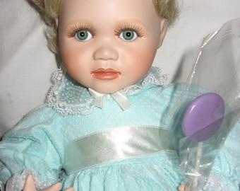Amanda Porcelain Doll Hamilton Collection with Original Box 1991