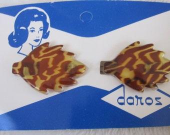 vintage lucite hair barrette tiger striped leaf shape