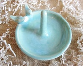 Mint green ring holder, kitchen Ring holder bowl, jewelry storage Dish, In Stock, engagement ring holder