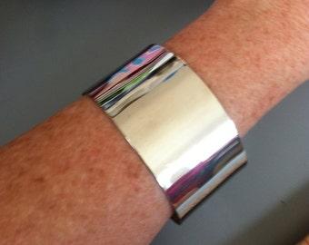 Cool Vintage 50s 60s Silvertone Cuff Bracelet TIKI OASIS