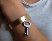 Vintage Skeleton Key Gold Brass Cuff Bracelet