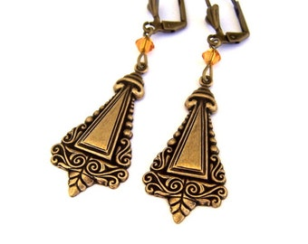Victorian style antiqued brass earrings, oxidized brass stamping earrings, steampunk triangle, light weight vintage style, ornate