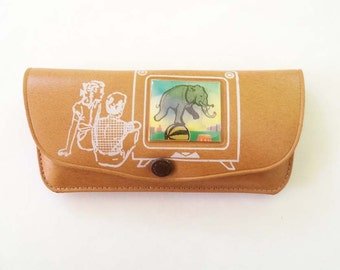 Very Cute 1950's Vintage Child Sized Eyeglasses case with Lenticular flicker Elephant scene