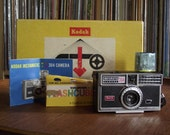 1960's Kodak Instamatic 304 Camera Outfit with Flashcubes & Instructions