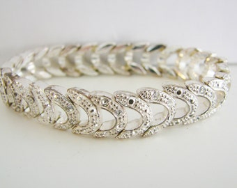 Vintage simple silver link stretch bracelet with clear crystals