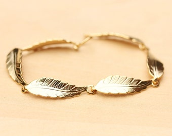 Pretty Leaf Bracelet