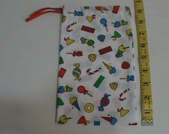 White with Ice Cream Candy Gum Drawstring Pouch