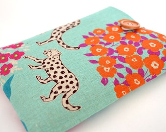 "New Kindle Paperwhite Cover, Kindle Voyage Sleeve, Kindle 6"" Cover Padded Sleeve - Baby Cheetah"