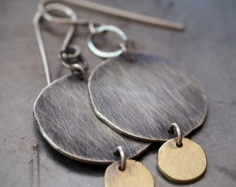 Gorgeous, handmade and modern 18kt gold and fine silver disc duo earrings