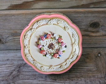 Pretty in Pink and Cream Shabby Chic Tin