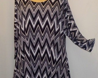 Womens Plus Size Top Coco and Juan Lagenlook Plus Size Black Gray White Print Drape Sides Tunic Top One Size Bust  to 60 inches