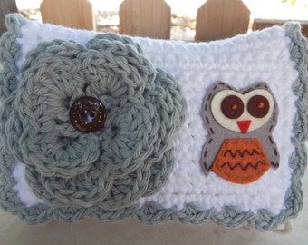 HALF PRICE CLEARANCE  ~  Crocheted Purse  ~  Gray and White with Owl Crocheted Cotton Little Bit Purse