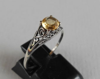 Balinese Sterling Silver Citrine Ring / silver 925 / size 7 ready to ship / Bali unique jewelry