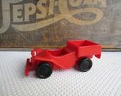 Vintage 1976 Richard Scarry's Puzzletown Alfalfa Farm Car Playskool