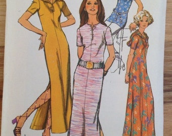Vintage 1970s Simplicity 9423 Juniors Hooded Knit Dress