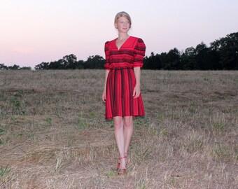 Vintage 70s 80s Secretary Dress Red Black Stripe Print Sailor Collar Belt Womens Medium M . Excellent condition
