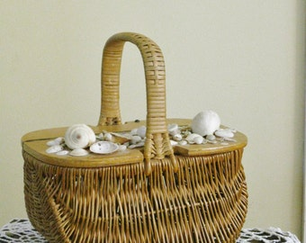 Vintage Woven Wicker Basket, Hinged Wooden Lid, Seashells, Beach Storage Decor, Wicker Purse Handbag