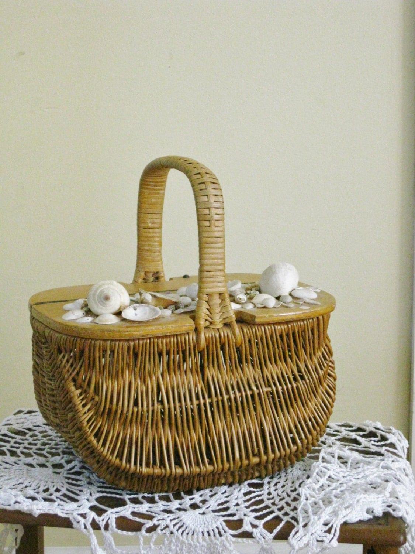 Wicker Basket With Hinged Lid : Vintage woven wicker basket hinged wooden lid seashells