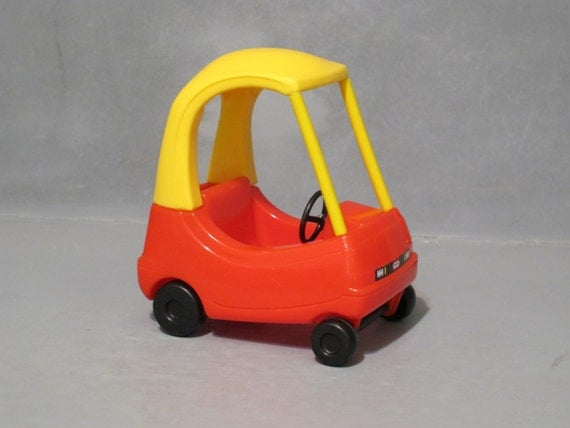 vintage little tykes cozy coupe dollhouse size mini red and yellow car with rolling wheels
