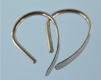 16 gauge niobium earrings: Slim Apostrophe