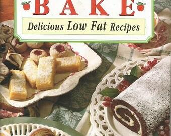 """Mott's """"A Better Way to Bake"""" Cookbook"""