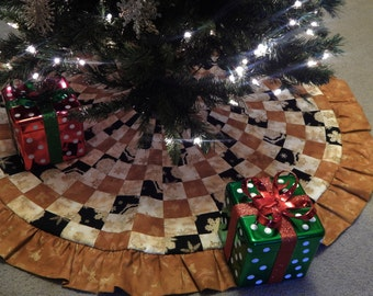 Spiral Patchwork Christmas Tree Skirt in Gold, Cream & Black IN STOCK