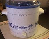 Vintage Rival Slow Cooker, Crock Pot, Blue & White 3 Quart, Nice Condition