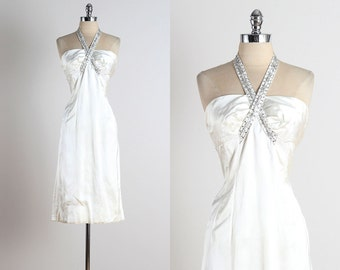 Twist of Fate . vintage 1950s dress . vintage satin dress . 4979
