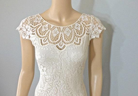 Vintage Lace Wedding Dress BOHEMIAN Wedding Dress CREAM Lace