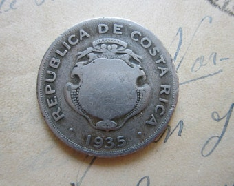 vintage coin - COSTA RICA 1935 - 1 colon - worn shield - 29mm wide