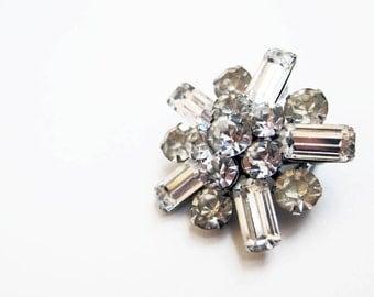 1950s Pin | Starburst Rhinestone | 50s Sparkle Burst Brooch