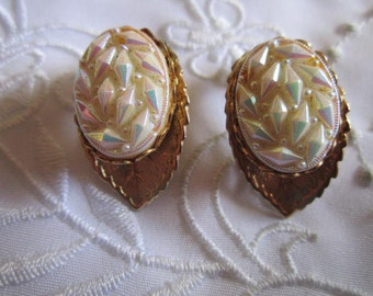 Vintage Gold Tone Leaf-Shaped Clip On Earrings with Shining White Glass Insets